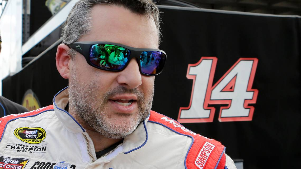 3-time NASCAR champion Tony Stewart punches heckler in the face, video shows – Durham Herald Sun