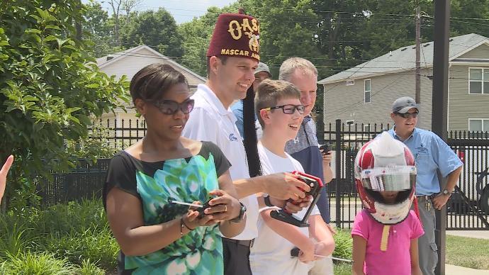 NASCAR driver David Ragan visits children at Shriners Hospitals for Children – WKYT