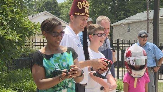 NASCAR driver David Ragan visits children at Shriners Hospitals for Children – WVLT.TV