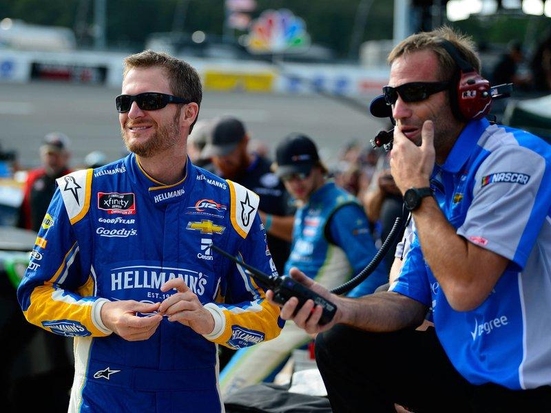 Dale Earnhardt Jr.'s NASCAR return in jeopardy after plane crash – autoweek.com