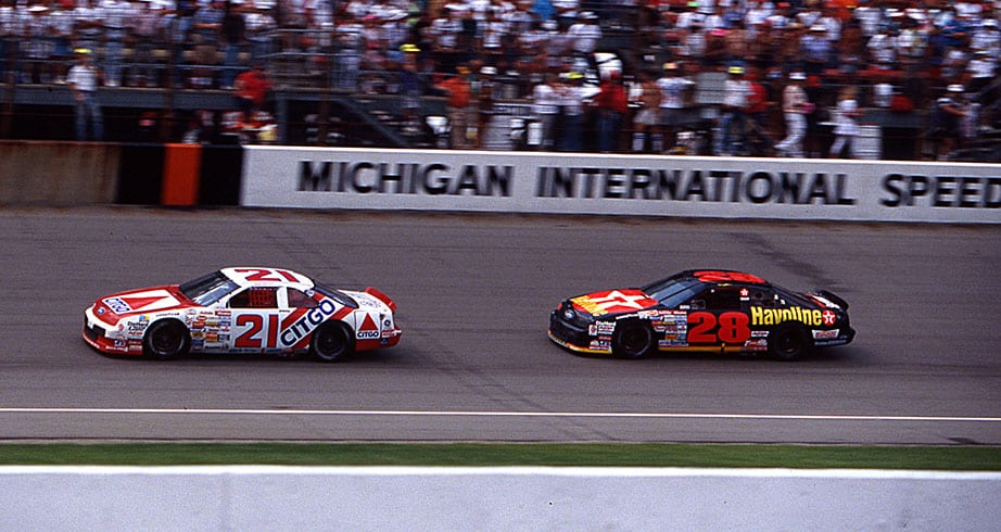 Dale Jarrett edges Davey Allison at Michigan in 1991 – NASCAR