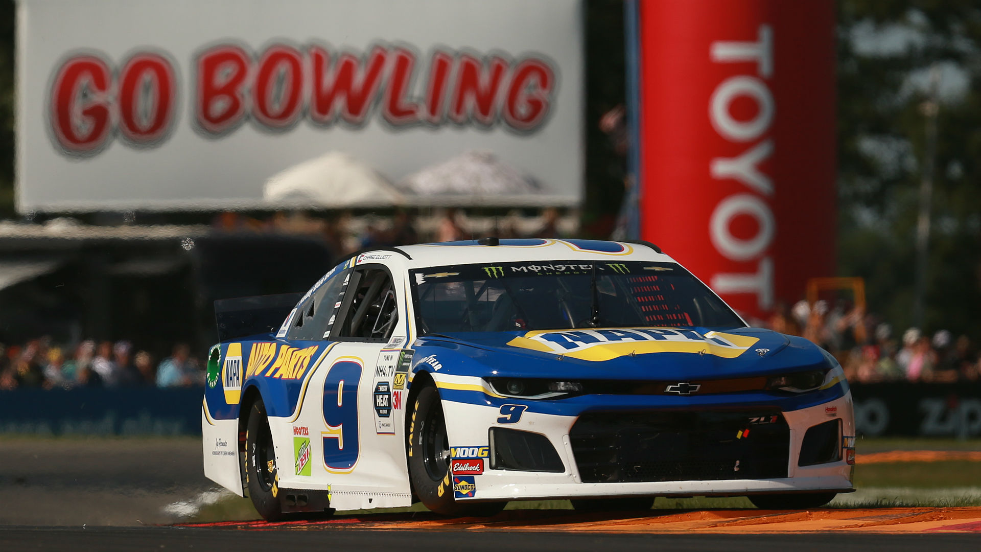 NASCAR results at Watkins Glen: Chase Elliott repeats in Go Bowling at the Glen – Sporting News