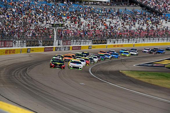 NASCAR DFS: South Point 400 Example Lineups – FantasyAlarm.com