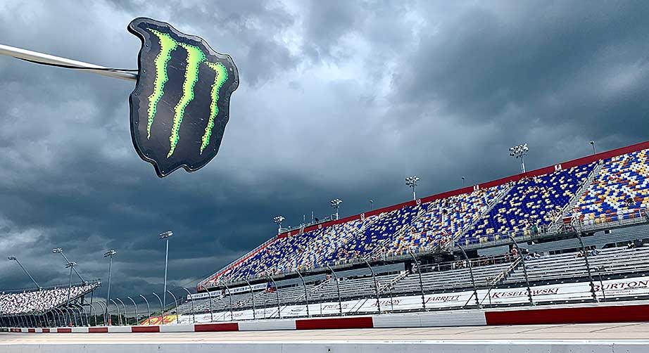 Rain delays start of Bojangles' Southern 500 at Darlington – NASCAR