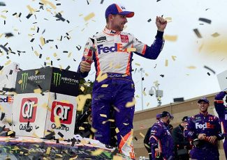Hamlin wins at Kansas as Elliott is last driver into Round of 8 – NASCAR