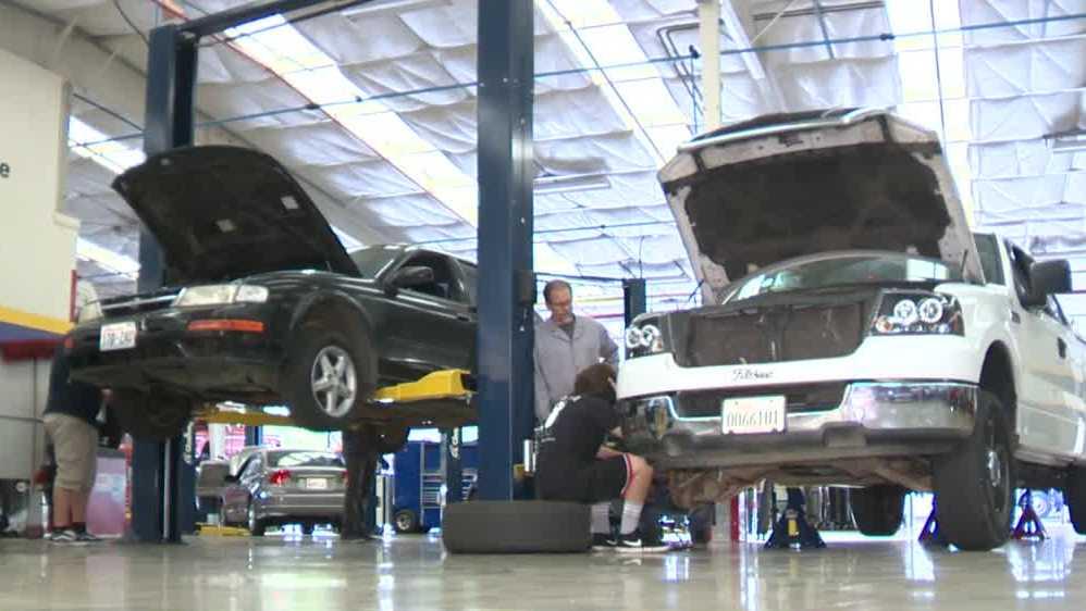 High school auto shop students join NASCAR in Roseville – KCRA Sacramento