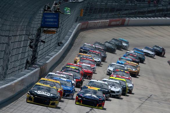 NASCAR DFS: Drydene 400 Example Lineups – FantasyAlarm.com