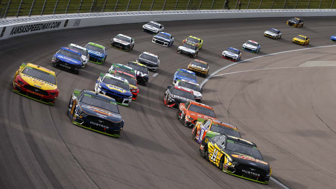 NASCAR Fantasy Picks for First Data 500 at Martinsville Speedway – The Duel