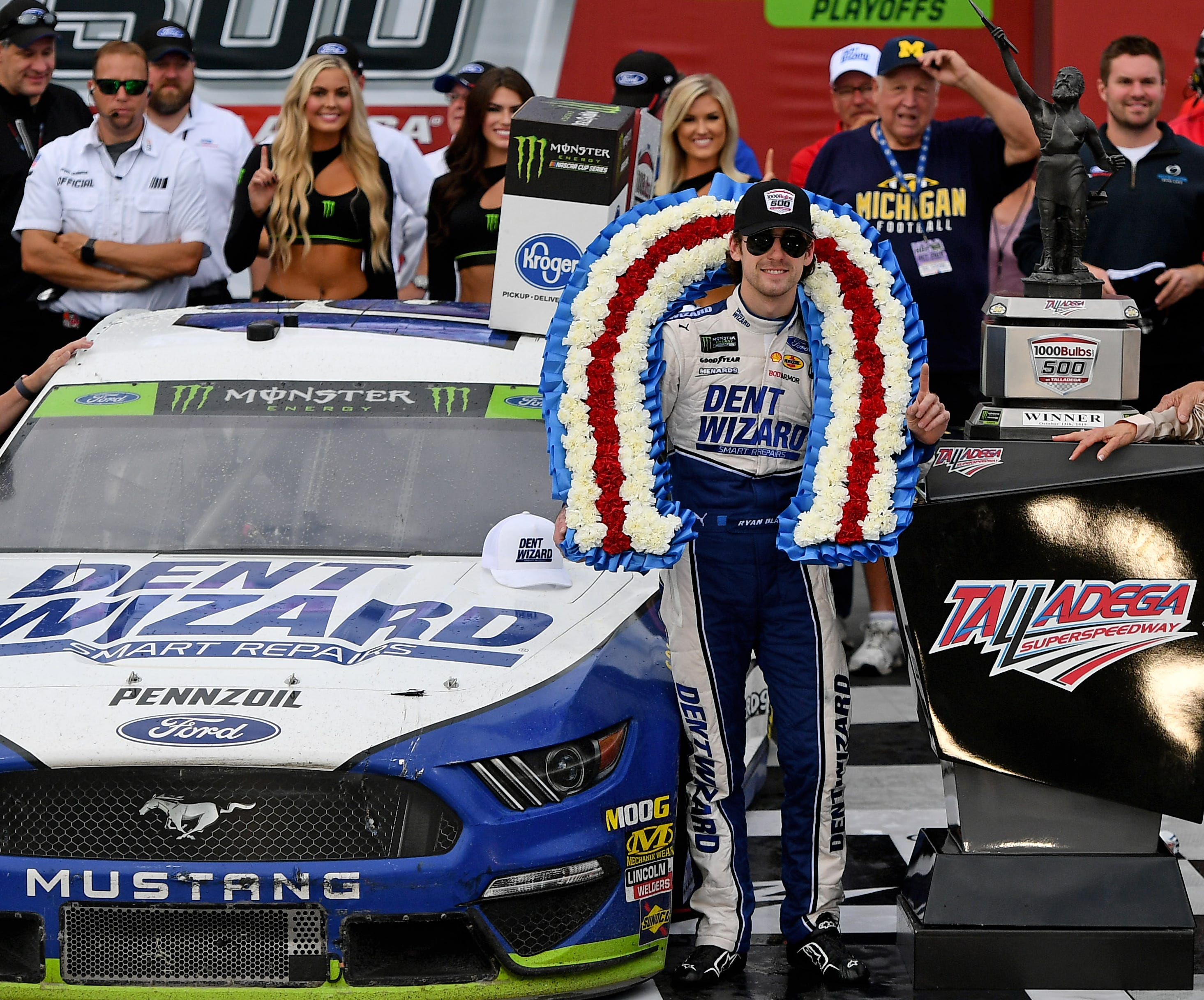 Ryan Blaney explains why NASCAR's controversial yellow line rule 'has to stay' – USA TODAY