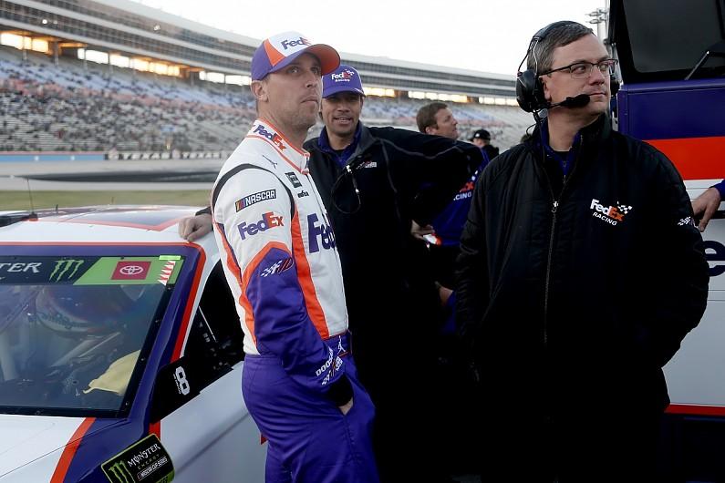 Hamlin/Logano NASCAR scuffle tensions still present at Texas – autosport.com