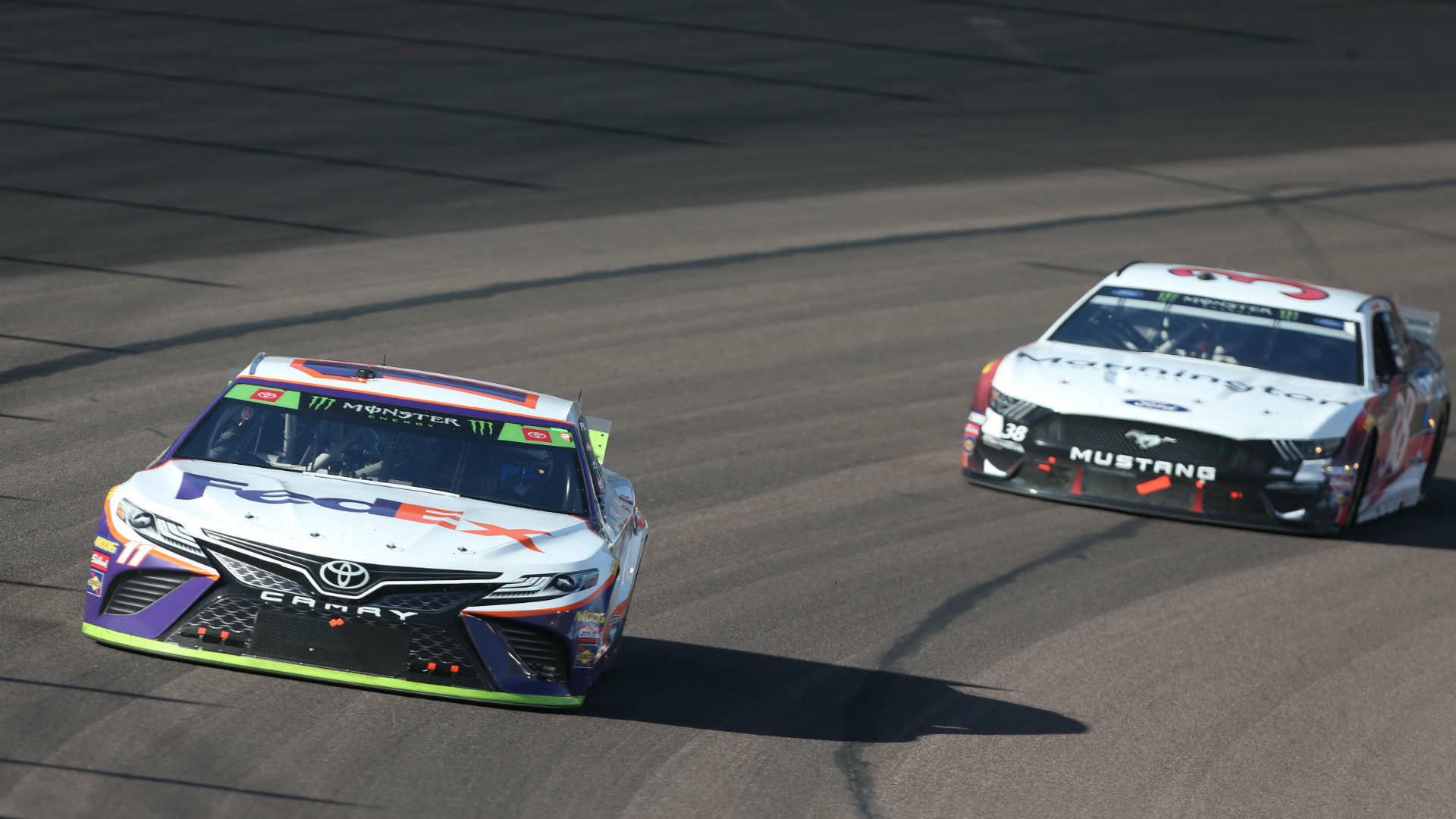 NASCAR at Phoenix results: Denny Hamlin survives late caution flag to secure Championship 4 spot – Sporting News