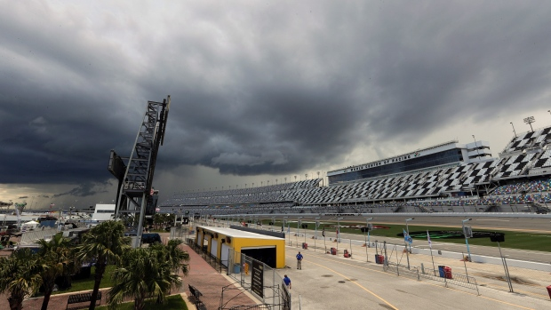 Rain dampens NASCAR's final holiday visit to Daytona – TSN