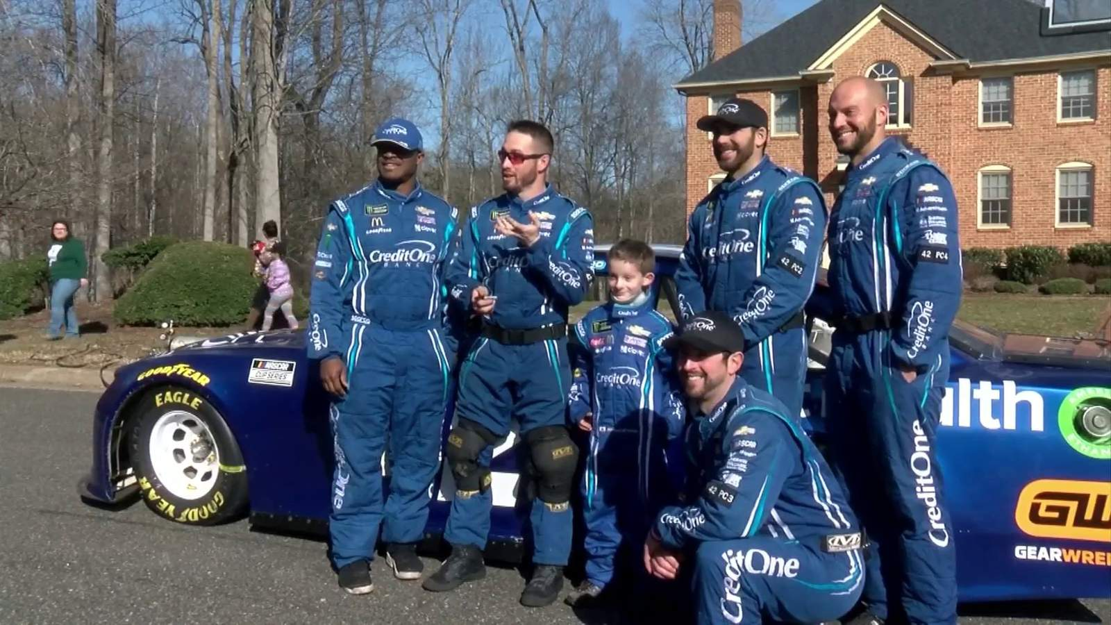 Lynchburg third grader joins NASCAR pit crew for a day – WSLS 10