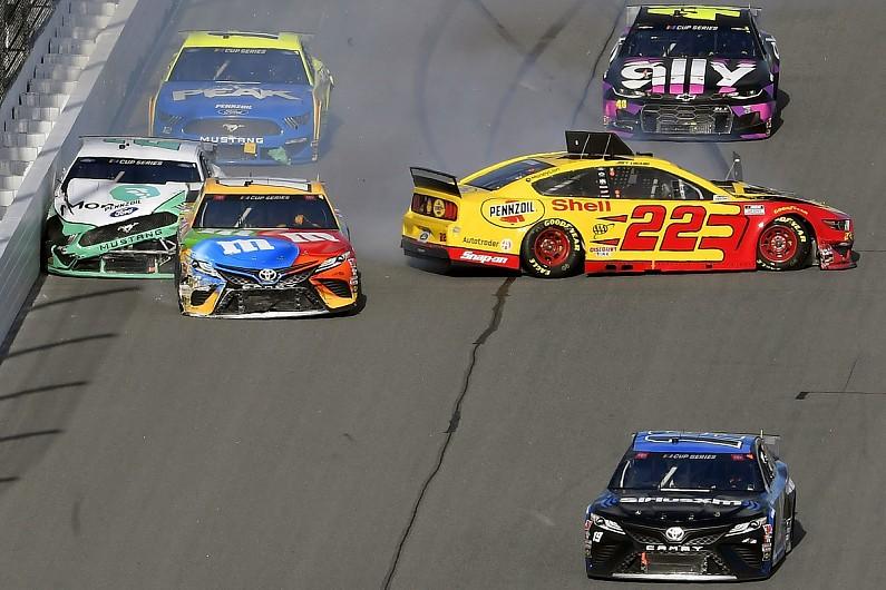 "Keselowski blasts team-mate Logano's ""dumb racing"" in NASCAR Clash – autosport.com"