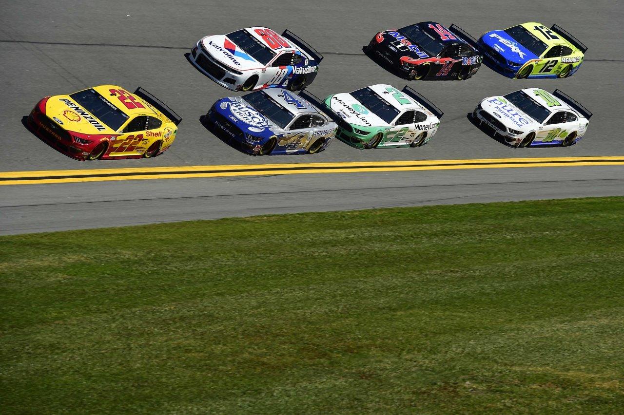 NASCAR inspection issues ahead of Daytona 500 qualifying – Racing News