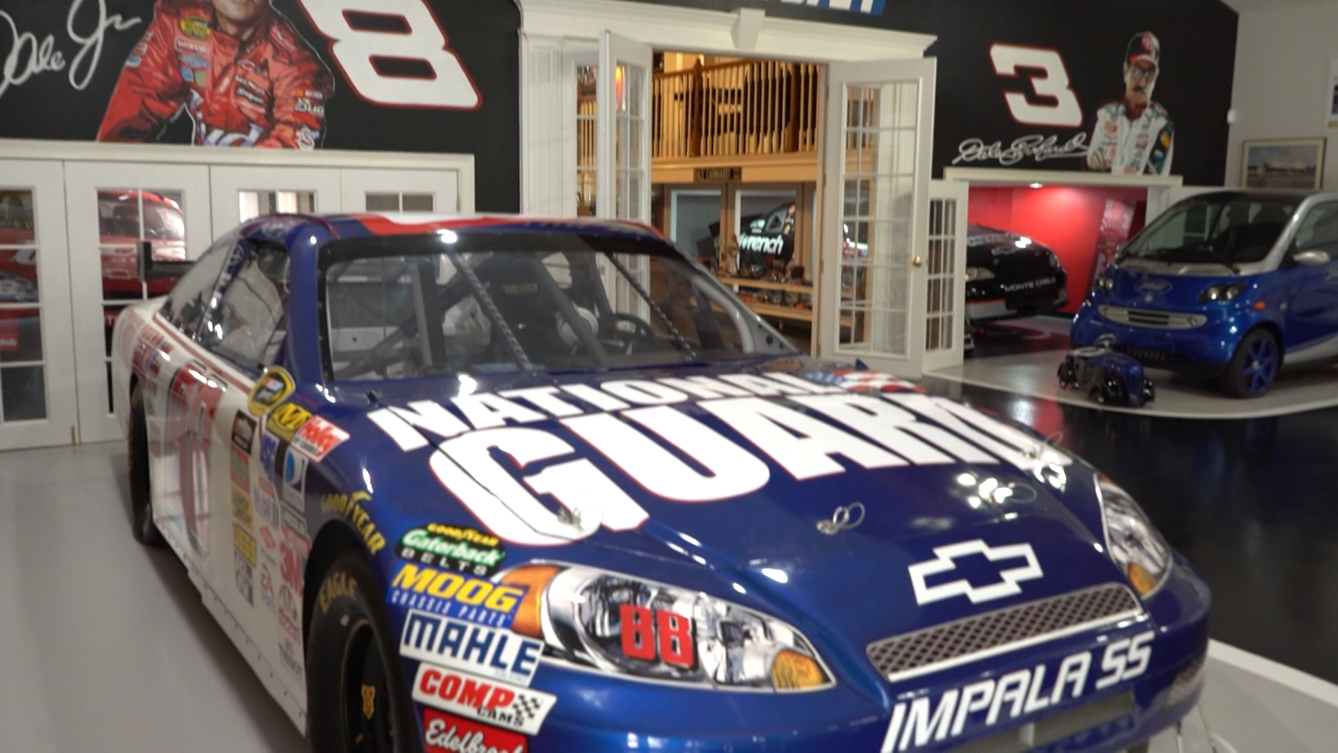 NASCAR superfan would be at home in this Florida mansion – WESH 2 Orlando