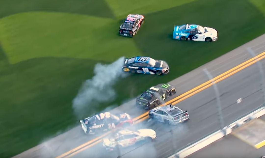 VIDEO: Six cars survive the NASCAR Clash at Daytona – Speedcafe